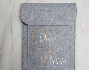 Horse passport sleeve initials on light grey, equine passport cover, with Velcro fastener, pony, horse, printed as desired -> UNIKAT INDIVIDUAL