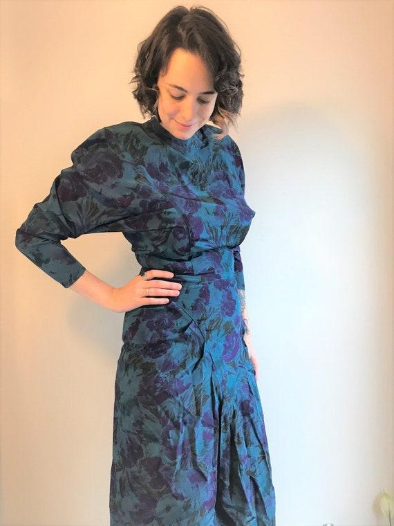 Vintage 80's Blue and Purple Floral Print Wiggle D