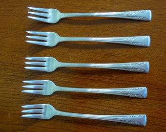 All in one collegiate licensed Clemson seafood utensil!