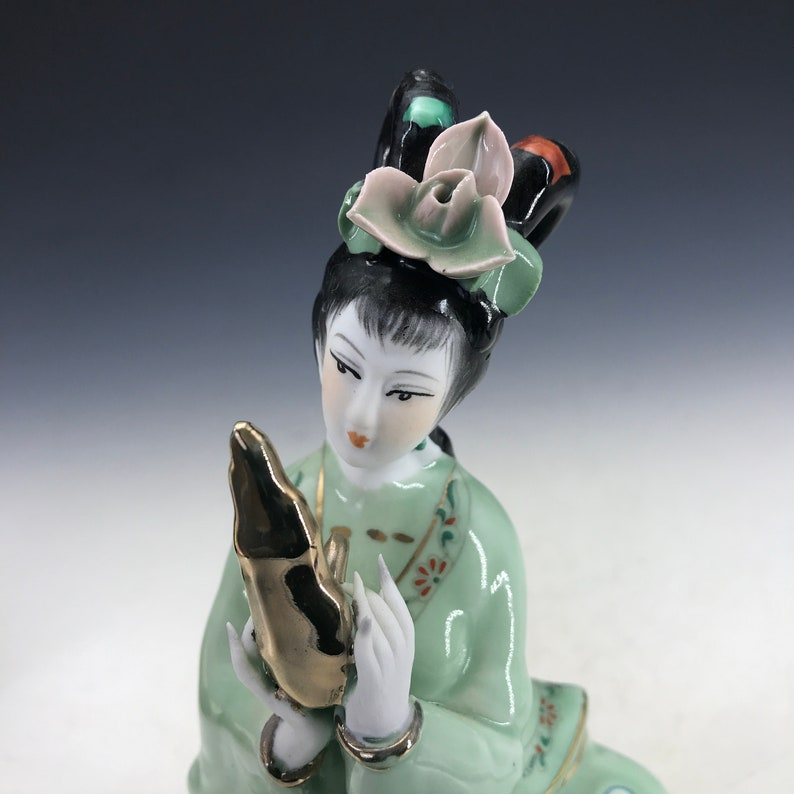 Beautiful ceramic statues made by hand from Chinese antiques