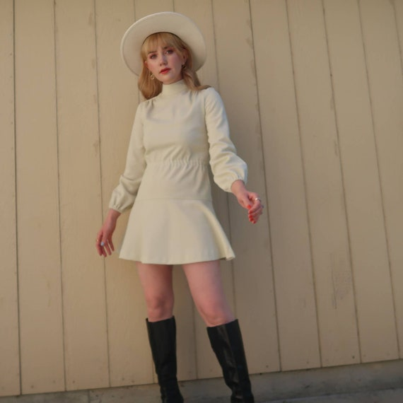 Vintage 60s MOD cream long sleeve mini dress S - image 3