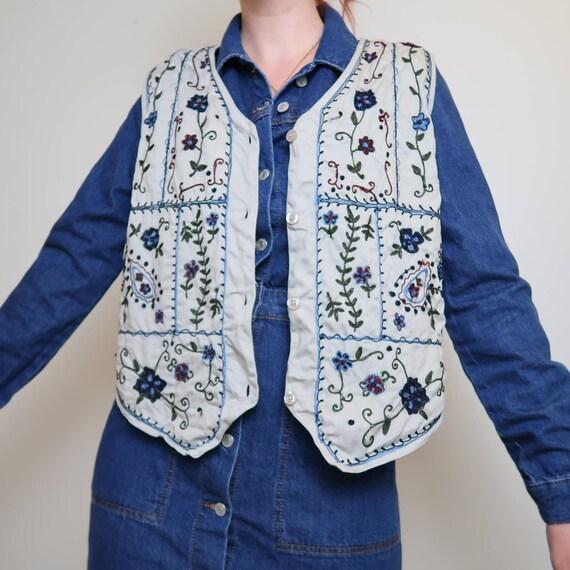 Vintage 90s Bobbie Brooks tan floral embroidered … - image 1