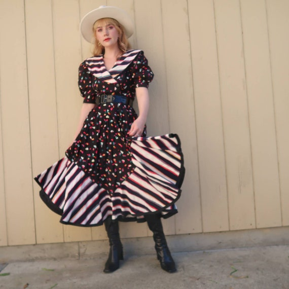 Extra Small 1980s Funky Prom Purple and Red Rose Printed Dress w Ruched Bodice and Dropped Waist by Elberta Vintage