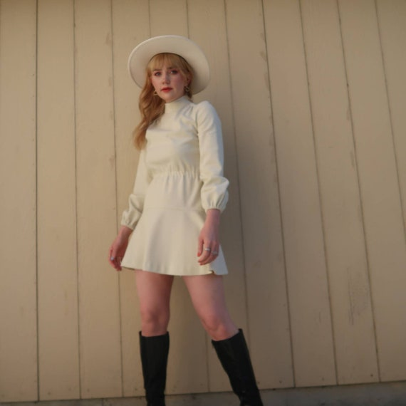 Vintage 60s MOD cream long sleeve mini dress S - image 1
