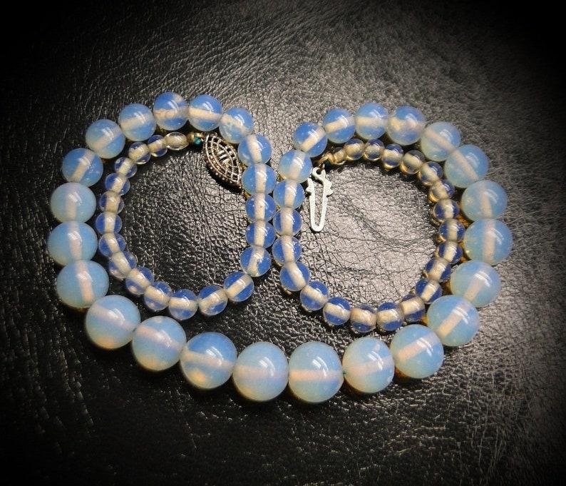 1920s Art Deco Opalescent Opaline Glass Graduating Beads Choker Necklace Silver Filigree Clasp Gorgeous