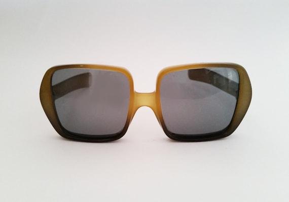 Christian Dior Vintage Sunglasses Yellow-Green Pla