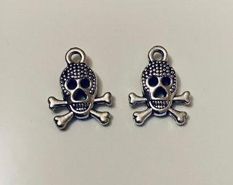 Skull and Cross Bone earrings Dangle crossbonesJolly Roger *UK SELLER*