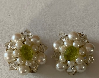 vintage Faux pearl cluster clip on earrings signed EVCO