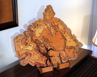 Jurassic Park The Lost World Topographic Map and Stand - Wood Carved - Isla Sorna
