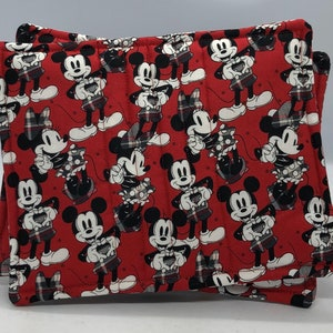 2 Mickey /& Minnie Mouse Pocketed Potholders; Quilted Potholders; Handmade Potholders; Unique pot holders; Kitchen Pot holders; Kitchen Decor