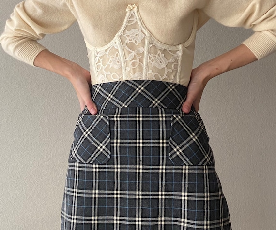 Vintage reworked ivory lace underbust corset, size