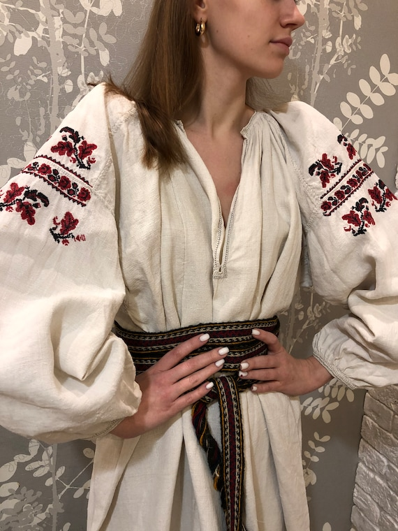 Vintage traditional Ukrainian embroidered shirt Vy