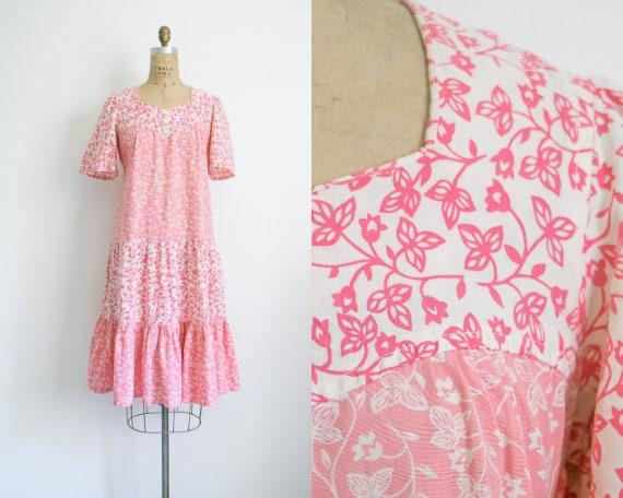 Vintage pink floral tie waist tiered dress