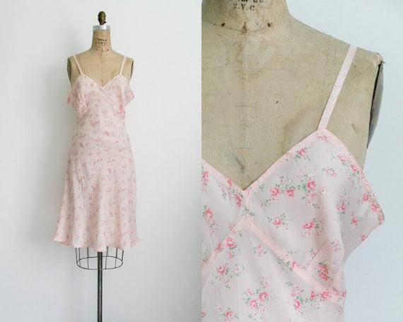 Vintage 40s pink floral slip