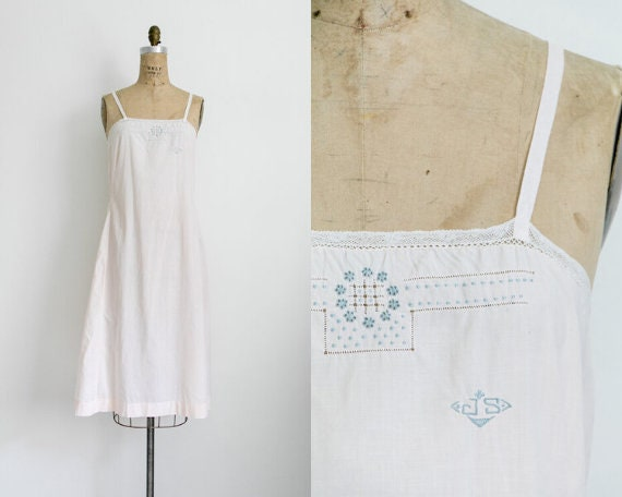 Antique 20s pale pink embroidered chemise