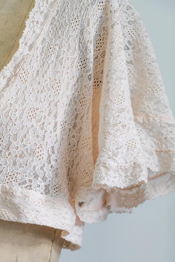 Vintage 30s lace bed jacket - image 10