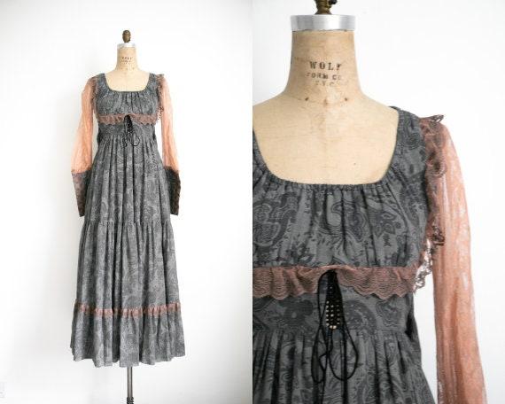 Vintage Gunne Sax milkmaid dress