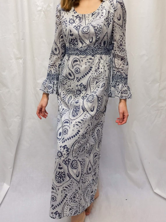 Vintage 70s bell sleeve paisley dress