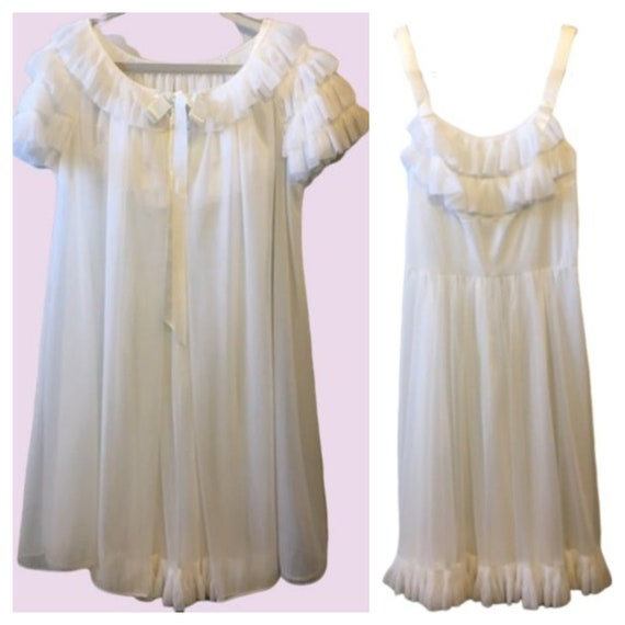 Vanity Fair Vintage Peignoir Set White Bridal Ruff