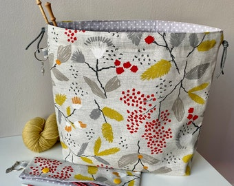 Drawstring project bag, perfect for knitting, crochet, yarn and other crafts. Handmade cotton bag