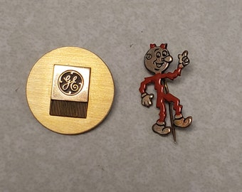 """4.5/"""" REDDY KILOWATT Embroidered Cut-Out Iron-On Patch"""