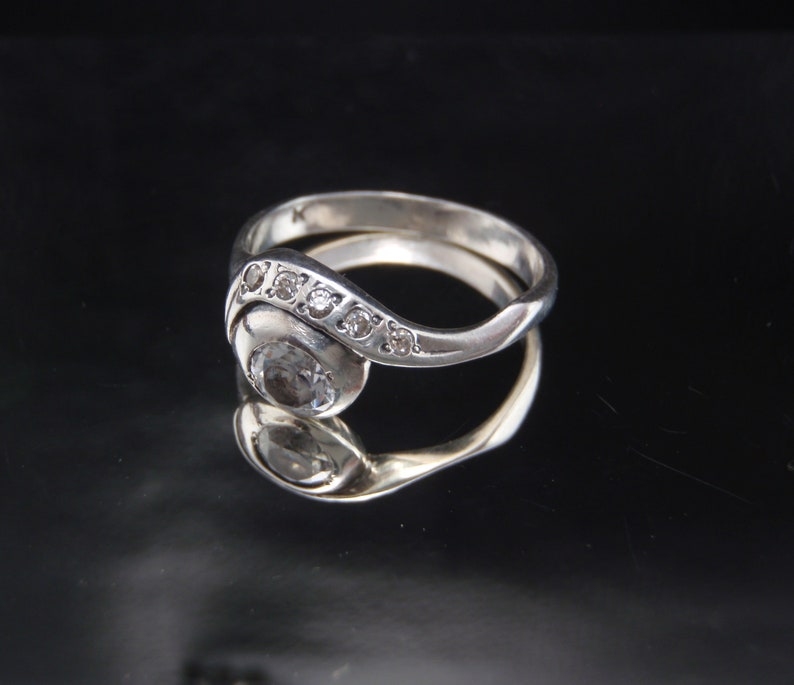 Vintage SILVER ring 925 with zircon stones 2.93gr Hand made.