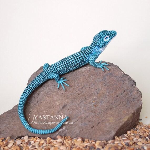 Lizard realistic wool toy