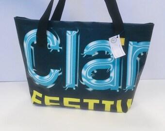 Large solidarity bag bag
