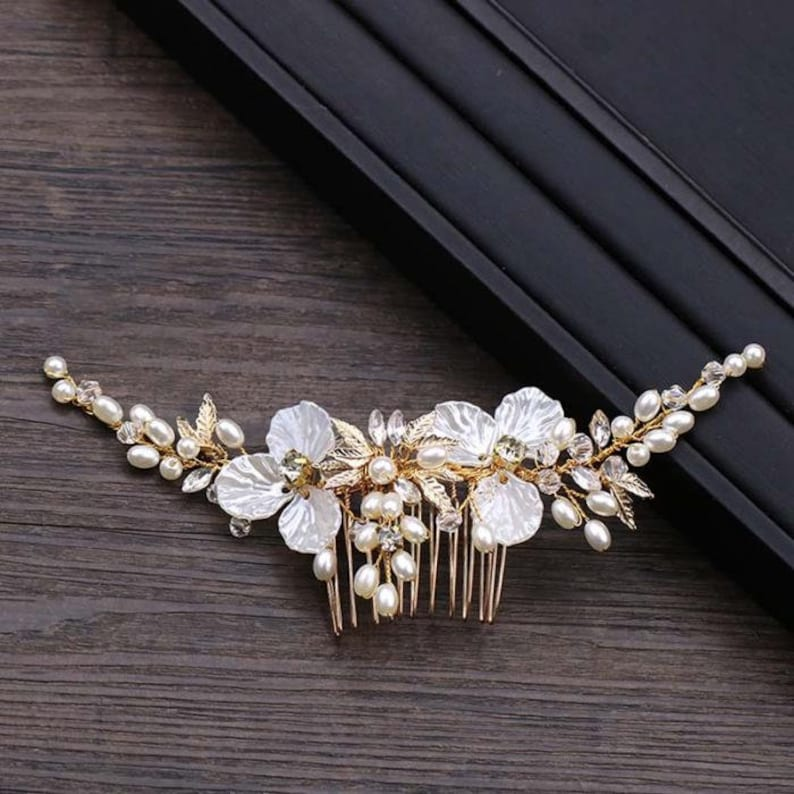 Bridal Hair Comb Golden Flower leaf Bridal Hair Accessories with Pearl and Rhinestones