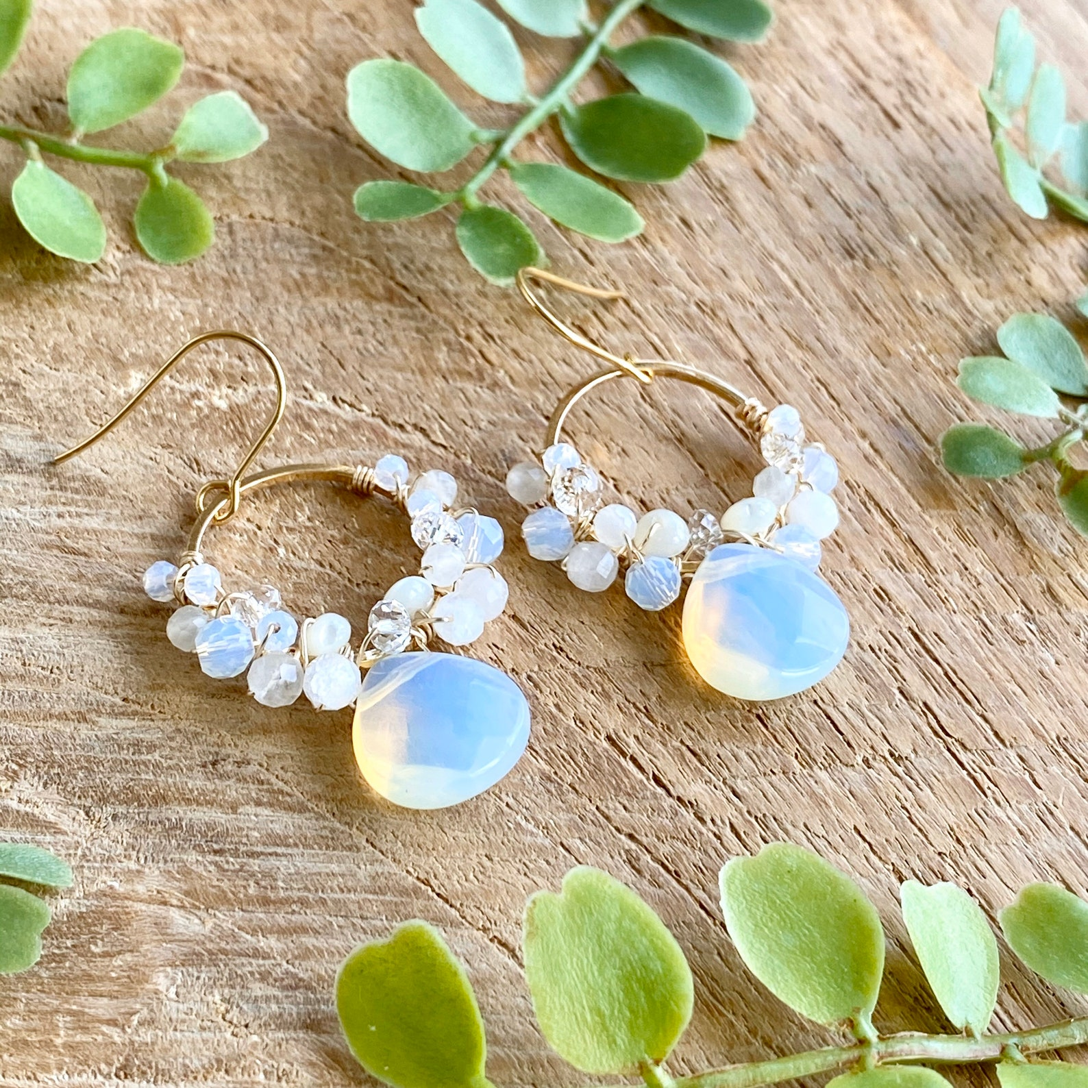 These earrings made of local pearls make wonderful Hawaiian gifts for her