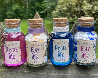 Eat Me, Drink Me Potion / Alice in Wonderland Gift / Shrinking Potion / Madd Hatter / Growing Potion / Nursery Room Decor / Centerpieces