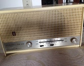 Zenith Long Distance Solid State Table Radio