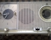Vintage 1950s Zenith Long Distance Tube Radio is Working Condition