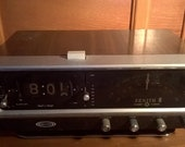 Vintage Zenith Circle of Sound AM FM Radio with Clock and Alarm