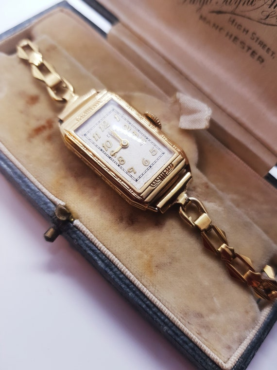 Women's vintage artdeco Elgin wristwatch, beautifu
