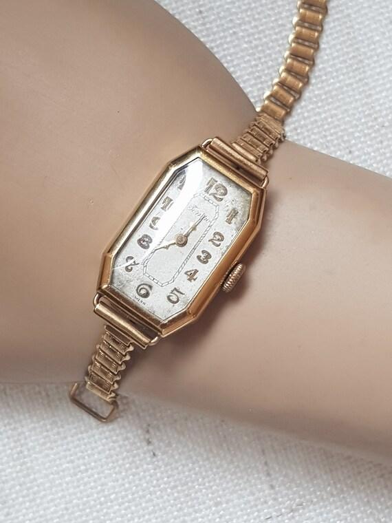 Women's vintage artdeco tank wristwatch, beautiful