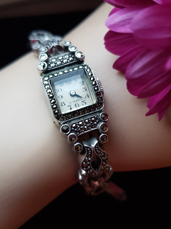Womens 1950s wristwatch, vintage watches for women