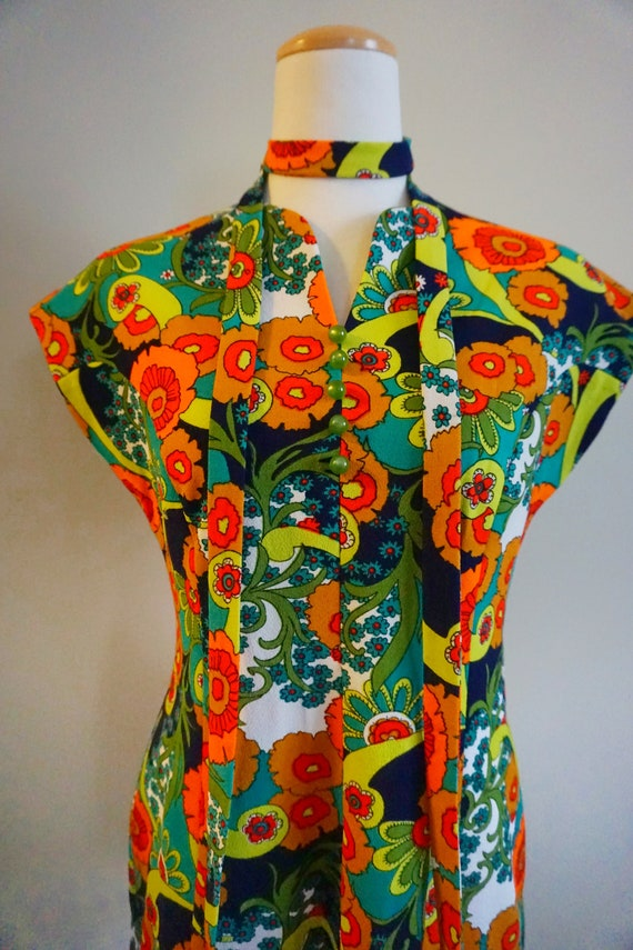 Psychedelic Print 1960s Top with Belt | 1960s Tun… - image 4