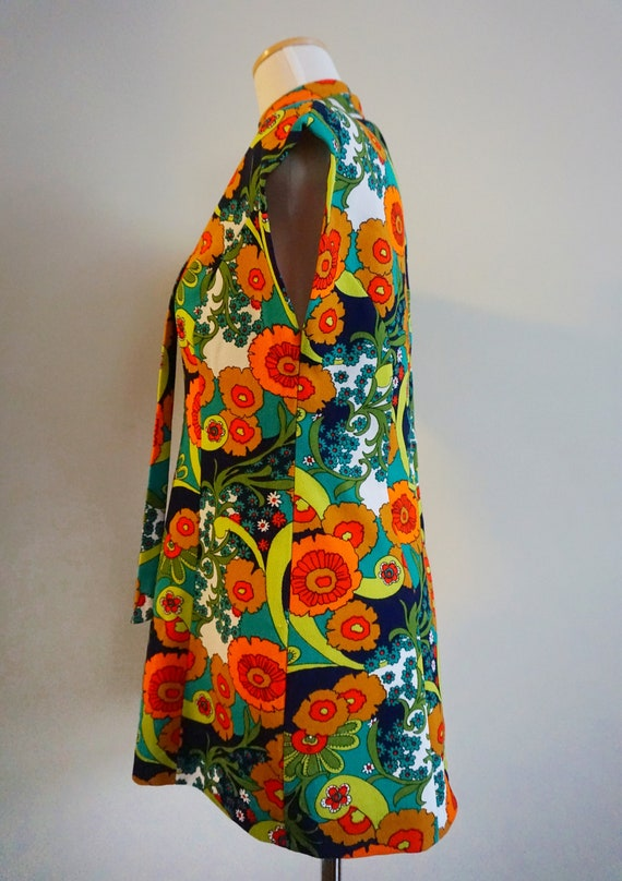 Psychedelic Print 1960s Top with Belt | 1960s Tun… - image 8