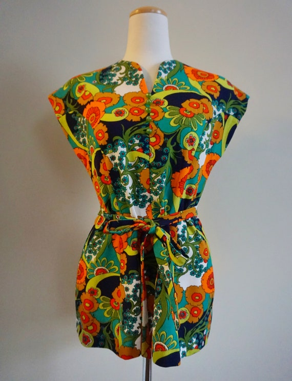 Psychedelic Print 1960s Top with Belt | 1960s Tun… - image 2