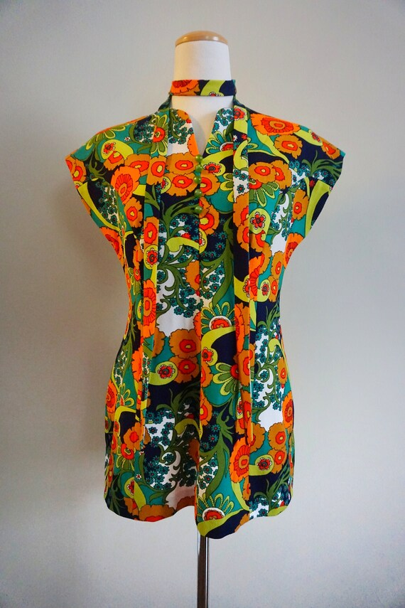 Psychedelic Print 1960s Top with Belt | 1960s Tun… - image 3
