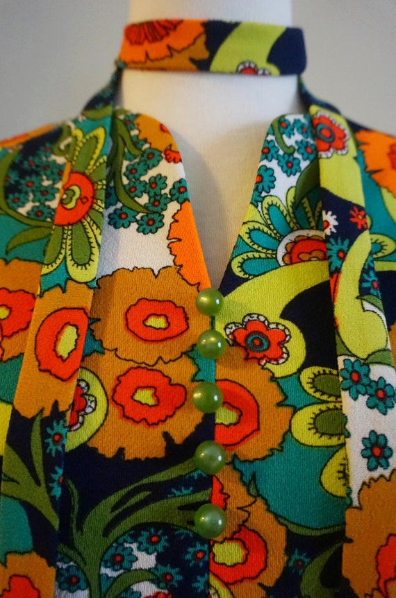 Psychedelic Print 1960s Top with Belt | 1960s Tun… - image 5