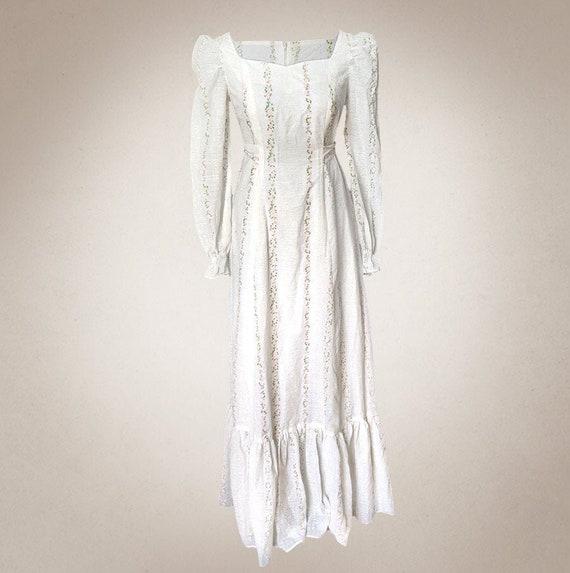 Romantic True Vintage Dress - Delicate Floral