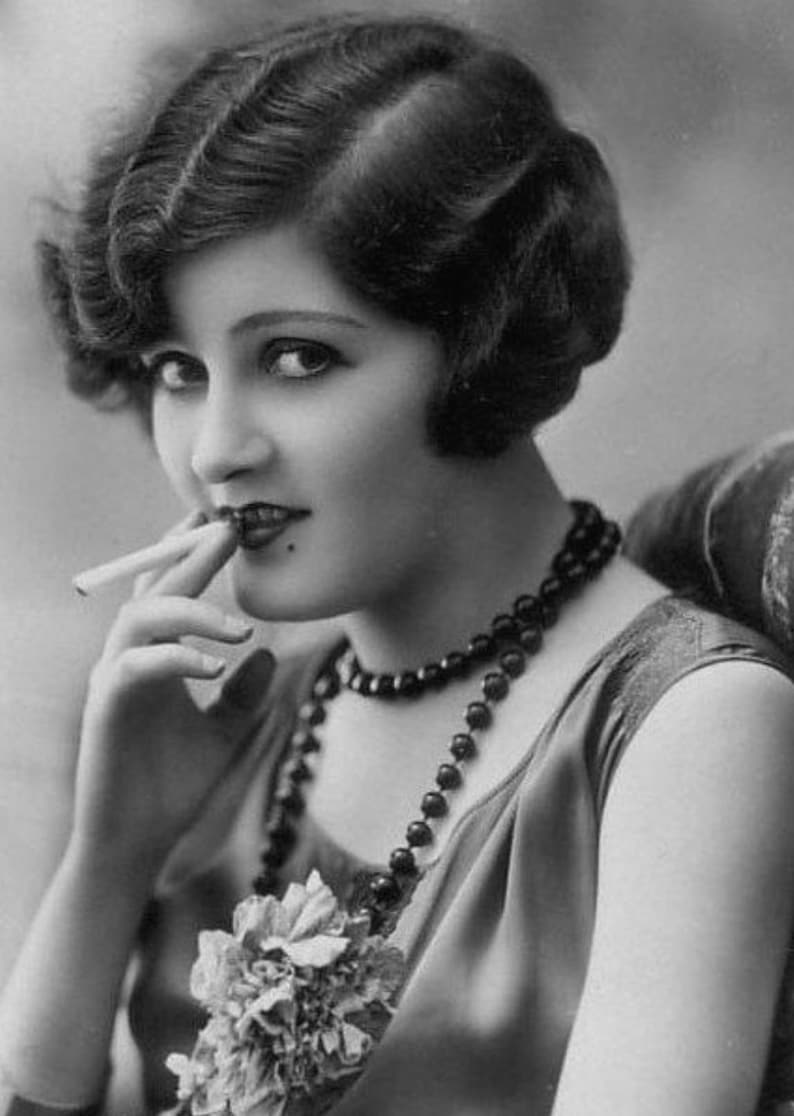 Stunning Photo Of Zelda Fitzgerald the First American image 0