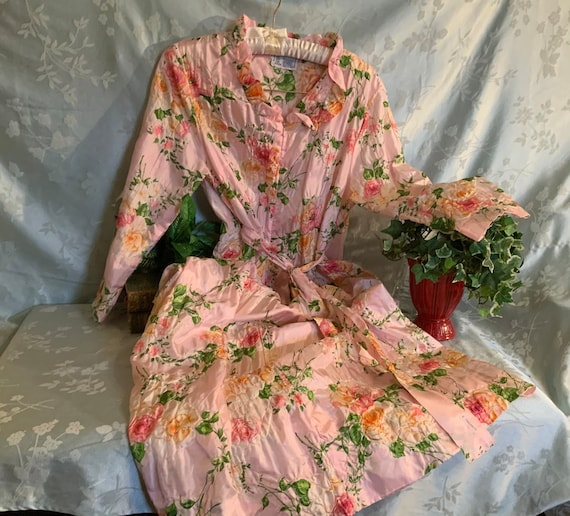 Woman's Robe, by The Roberie, Vintage 60s, Floral