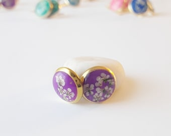 Bright purple and gold real flower stud earring, tiny lace flower jewelry, natural floral fashion, classic style earring, everyday accessory