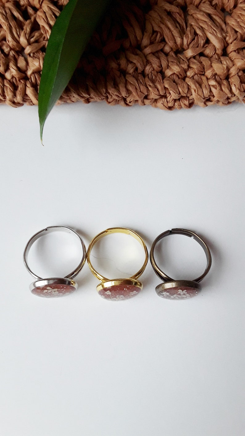 real flower jewelry queen Ann lace resin ring adjustable ring Copper glitter bronze clay hand charm, bronze band dried flower