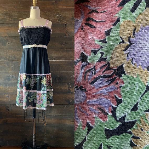 Vintage 70s smocked sun dress / tiered skirt / rib