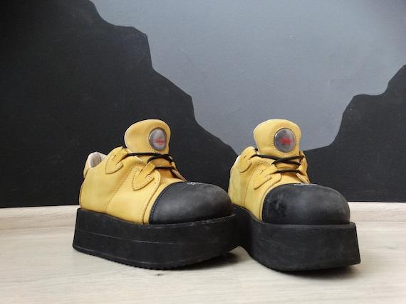 Mega Platform Swear shoes 90's Vintage Gotic Platf