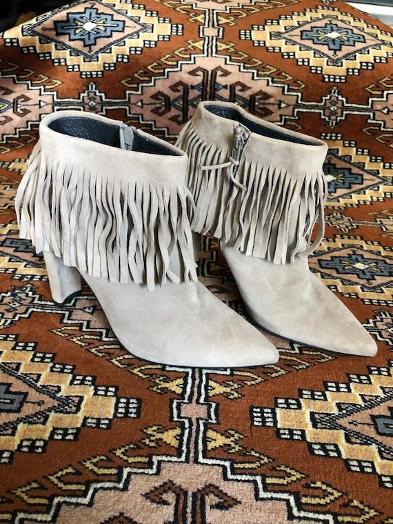 Stuart Weitzman grey fringe suede bootie size 8